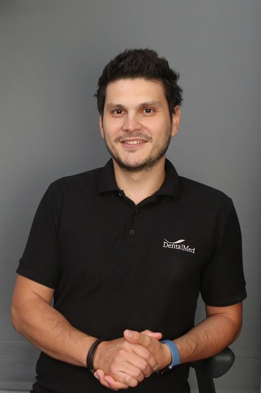 Dr. Razvan Achim Medic stomatolog