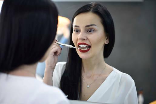 DentalMed centru de excelenta implant dentar