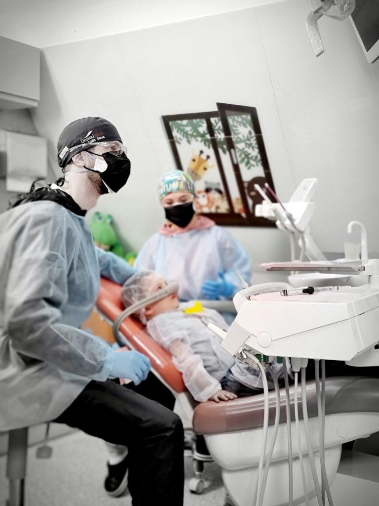 20210409 150315 1 Anestezie si sedare pentru copii in cabinetul stomatologic
